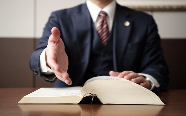交通事故に遭った時の弁護士に依頼するメリット
